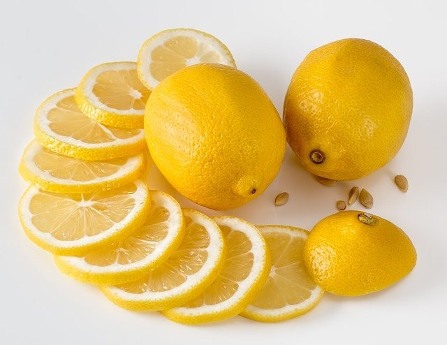 20 Ways to use Lemons and Limes around the house